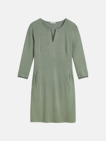 Comfortable dress with V-neck /