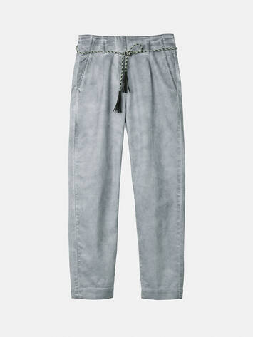 Trousers with pleated waistband /
